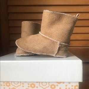 Baby Gap Moccasin Booties